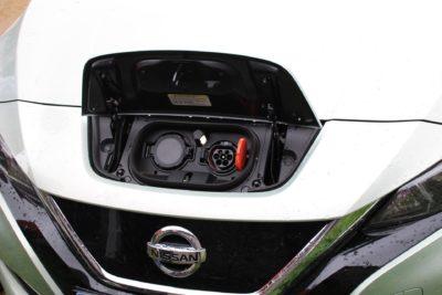 Electric vehicle charging socket