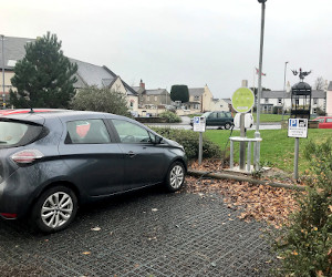 Electric Car charging in Dalston